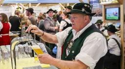 Ученые назвали правильный способ пить пиво
